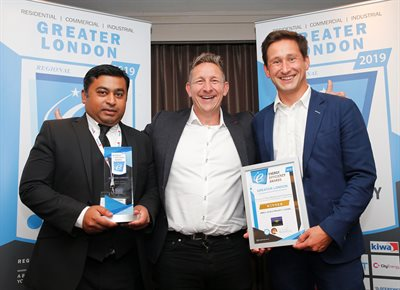Abdul Khan and Jonathan Taylor receive the London Energy Efficiency Award